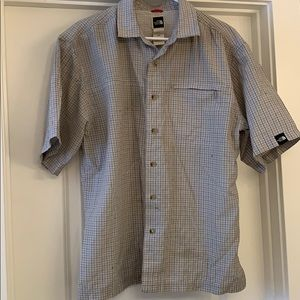 Men's North Face plaid short sleeve button up, med